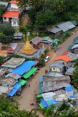 Mount Popa. Burma (_JLC_) Tags: myanmar burma birmania asia sudesteasiático pagoda stupa paya oro gold temple templo arquitectura arqueología architecture canon canon6d eos 6d popa mountpopa montepopa nat 70200f4is 70200
