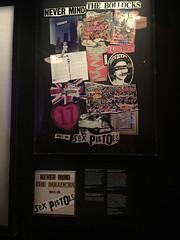 London (Luguber) Tags: luguber urban london pinkfloyd victoriaandalbertmuseum sexpistols
