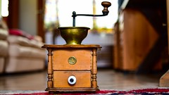 Very very Old (YᗩSᗰIᘉᗴ HᗴᘉS +7 000 000 thx❀) Tags: objet antiquité old object coffee café moulin moulinàcafé hensyasmine nikon
