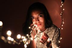 IMG_2728-3 (kethformigon5) Tags: luzes piscapisca mulher brilho lâmpada detalhes