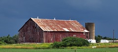Old barn with decapitated silo - Halton Hills, Ontario (edk7) Tags: olympuspenliteepl5 edk7 2016 canada ontario haltonregion haltonhills barn farm decapitatedsilo silo field gta country countryside rural architecture building oldstructure crusty cloud storm
