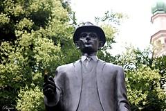 JOVEN (Paco Vicario) Tags: cerca macro joven young escultura sculpture praga praha prague