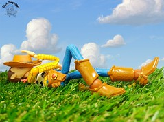 Lets take a nap outside... 😪 #Woody #Pixar #ToyStory #Disney #DisneyAnimation #Revoltech #ActionFigure #collection #coleção #Toy #outside #outdoor #sheriff #Cowboy #farm #sunny #nap #sleep #andy (dioxdiegodmf) Tags: sleep collection coleção outdoor toy outside pixar andy woody disney nap sheriff revoltech sunny disneyanimation farm cowboy toystory actionfigure