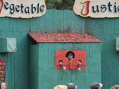 Vegetable Justice (Lena and Igor) Tags: fun fair festival travel america us usa unitedstates wisconsin bristolrenaissancefair attraction show comedy comedian panasonic lumix dmc gx85 gx80 mft microfourthirds mirrorless tamron 14150 vegetable justice tomatos crowd entertainment