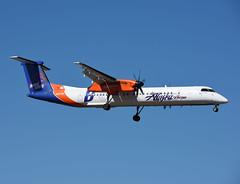 N437QX (MAB757200) Tags: alaskahorizon dhc8402q n437qx boisestatebroncos aircraft airplane airlines dehavilland bombardier seattle sea seatac ksea