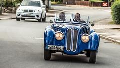 10. Hamburg-Berlin Klassik Rallye (petra.foto busy busy busy) Tags: fotopetra canon 5dmarkiii 100400 rallye klassik cars oldtimer hamburgberlin bmw328 bmw prominenz leopoltprinzvon bayern