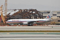 American Airlines 777-223/ER at LAX_2011-04-23 (josegsd) Tags: americanairlines b777200er lax n768aa