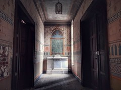 Couvent des lustres (Hélène Lili) Tags: urbex urban exploration urbanexploration lostplaces lost places abandoned abandon ue be teamlili galaxya5 couvent covent lustres