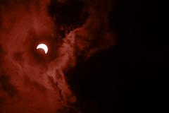 Éclipse (Jean-Pierre Bérubé) Tags: éclipse jeanpierrebérubé jpdu12 québec quebec ciel soleil sun eclipse flickerfriday entre polymèrenoir