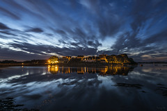 Saint-Cado by Night (Tony N.) Tags: france bretagne morbihan saintcado nuit night reflets reflections light lumière ciel sky stars étoiles poselongue longexposure sea mer seascape shore rivage d810 vanguard nikkor1635f4 clouds nuages tonyn tonynunkovics