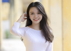 DSC9079 (anhpossible) Tags: portrait people beauty young girl cute carl zeiss sony a7 ao dai schoolgirl highschool