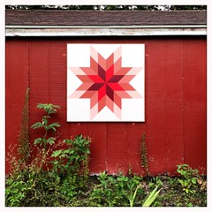 Barn Quilt, Manhattan, KS (woody lauland) Tags: manhattan kansas manhattanks ks barn quilt hipstamatic hipstaprint oggl