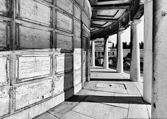 Alla base del faro (drugodragodiego) Tags: vantiniano cemetery colonnato architecture brescia lombardia italy blackandwhite blackwhite bw biancoenero pentax pentaxk1 k1 pentaxda12244edalif smcpentaxda1224mmf4edalif pentaxiani greatphotographers