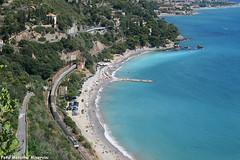 Treno+Mare (Massimo Minervini) Tags: ic650 intercity icmilanoxxmiglia ti trenitalia alassio savona rivieraligure rivieradeifiori mare water beach canon400d panorama estate genovaventimiglia
