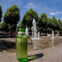 Große Straße mit Flasche (p.schmal) Tags: olympuspenepm2 samyang7 5mmmftahrensburggrosestrase