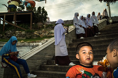 * (Sakulchai Sikitikul) Tags: street snap streetphotography summicron songkhla sony muslim islamic children thailand hatyai a7s 35mm leica