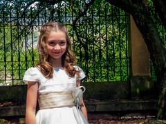 Comunión Laura (vicroga2115) Tags: comunión laura infantil evento feliz sonrisa familiar día sol retrato modelo niña especial