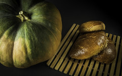 patty with pumpkin (Valery Parkhomenko) Tags: nikon d610 1855mm nikkor pie pumkin green yellow patty stilllife black background kyiv ukraine home studio food