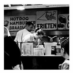 the look of love (japanese forms) Tags: ©japaneseforms2017 ボケ ボケ味 モノクロ 日本フォーム 黒と白 thelookoflove abc bw blackwhite blackandwhite blancoynegro bokeh braadworst candid chips croustillons frenchfries frieten frietjes fritérie frites fritkot friture frituur hamburger hotdog monochrome olliebollen random schwarzweis square squareformat strasenfotografie straatfotografie streetphotography vlaanderen zwartwit