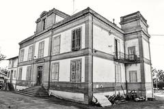 Château de Pousinies #oldschool (lucasgilet) Tags: oldschool french castel nikon oldpicture blackandwhite old chateau moyenage aprèsmidi