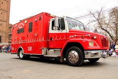 Freighliner FL60 (Pablo C.M || BANCOIMAGENES.CL) Tags: linares regióndelmaule ciudad city bomberos fiestaspatrias