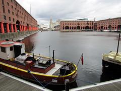 Albert Dock, Liverpool 2017 (Dave_Johnson) Tags: liverpool albertdock albert dock docks tateliverpool tate museumofliverpool royalliverbuilding liverbuilding boat barge narrowboat bridge merseyside
