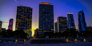 The colors of the blue hour at Bayfront.