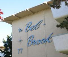 Bel-Brook Apartments Signage - San Leandro, Calif. (hmdavid) Tags: belbrook sanleandro california dingbat apartments apartment building starburst sign 1960s midcentury modern residential architecture