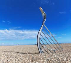 Norman Longboat on Hastings Beach (Rhisiart ap Cymru) Tags: england gbr hastings unitedkingdom beach pier hastingspier longboat normans sculpture artwork 1066
