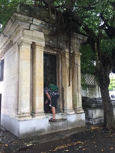 Bill at Cementerio de Cristóbal Colón, Vedado