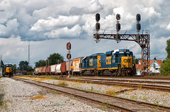 Staying Classy (Wheelnrail) Tags: csx train trains fostoria ohio co railroad rail road locomotive emd ge signal signals freight