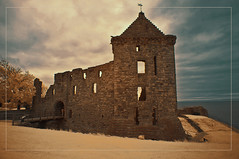 2017 07 25 Saint Andrews IR 680nm - 19 (Mister-Mastro) Tags: st andrew scotland schottland ir infrared fullspectrum 680nm ruin ruine abandoned