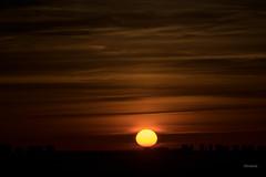 Superación (JulioSabinaGolf) Tags: nikon nikkor sunset sol serenidad sombras comunidadespañola cielo clouds cloudsstormssunsetssunrises cloudscopes color d3300 descanso d