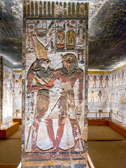 KV17, The Tomb of Seti I, Pillared chamber F (kairoinfo4u) Tags: egypt luxorwestbank valleyofthekings eastvalley thebeswestbank thebes tombofsetyi kv17 setyi égypte egitto egipto unescoworldheritagesites ägypten luxor sethosi setii