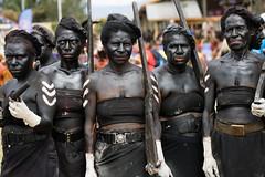 polce women (kthustler) Tags: goroka singsing papuanewguinea tribes huliwigmen mudmen