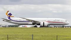 2DEER 787 Deer Jet (Anhedral) Tags: 2deer boeing 787 7878 dreamliner deerjet corporatejet landing stanstedairport jet airliner airplane