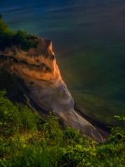 The cliffs off Moen (ibjfoto) Tags: balticsea danmark denmark ibjensen ibjfoto moenscliff mønsklint natur sea zealand cliff hav klint landscape landskab outdoor sunrise water østersøen