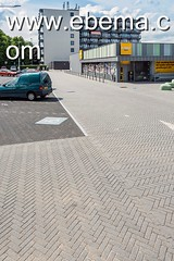 Limbrichterveld-6609-0715 (EbemaNV) Tags: winkelcentrum limbrichterveld sittard rockstone megategel diamond naturock blue steel black 2015 dempseystraat 38 6135 ch 60x30