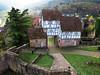 auf der Burg (VenusTraum) Tags: burg neckar hirschhorn fachwerk häuser house herbst fall mauer wall hof burgmauer weg