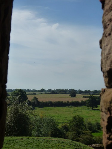 Kenilworth Castle - Strong Tower - field view from an arrow slit