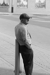 Leather cap (Martijn A) Tags: leather leer pet cap man old oud candid streetphotography straatfotografie shertogenbosch denbosch canoneos77d ef70200mmf4lisusm wwwgevoeligeplatennl 70mm