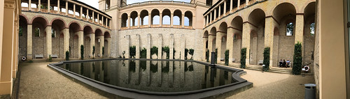 Belvedere pool panorama