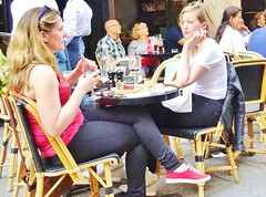 2017-08-27  Paris - Café de Paris - 10 Rue de Buci (P.K. - Paris) Tags: people candid street café terrasse terrace smoking