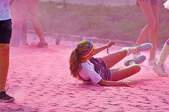 Rollin' (Red Cathedral uses albums) Tags: sony a6000 eventcoverage sonyalpha mirrorless ocr strongmanrun gladiatorrun colourrun mudrun obstaclerun alpha colorrun thecolorrun holi pink pnk roze powder running girlsrunning race brussel brussels bruxelles tour taxis havenlaan miniskirt