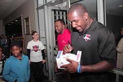 """thomas-davis-defending-dreams-foundation-thanksgiving-at-lolas-0226 • <a style=""""font-size:0.8em;"""" href=""""http://www.flickr.com/photos/158886553@N02/37185058855/"""" target=""""_blank"""">View on Flickr</a>"""