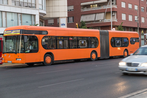bus, Tiranë