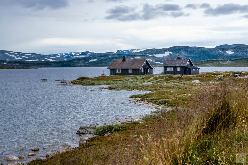 The world 39 s best photos of lake and norwegen flickr hive mind - The house on the rock the ultimate refuge in a norwegian fjord ...