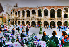 * Arena di Verona * (in Explore) * (argia world 1) Tags: verona arenadiverona persone people sedie chairs tavoli tables