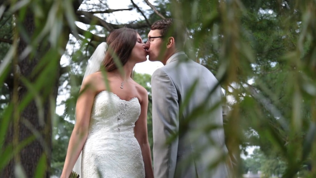 Andrea & Zach's NJ Same Day Edit (SDE) Wedding Video at Northampton Valley