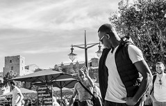 COLLIURE Street. Le Château Royal (Pedro Ruiz L) Tags: streetphotography fotocallejera plaza reflejos urbana gente carboneras zaragoza colliure vida life turist